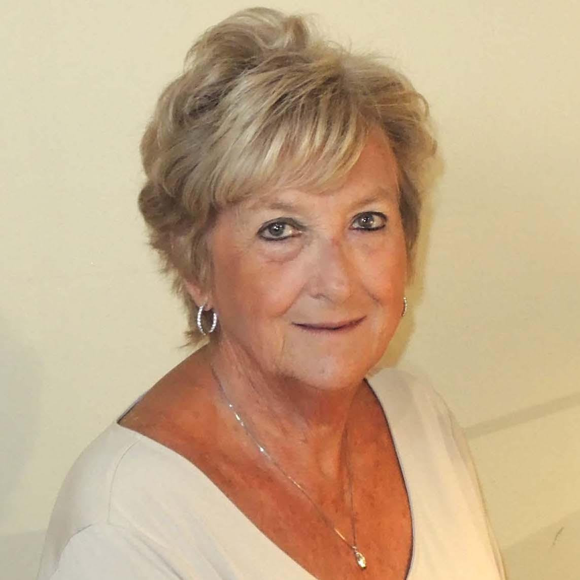Linda Sims, Pianist